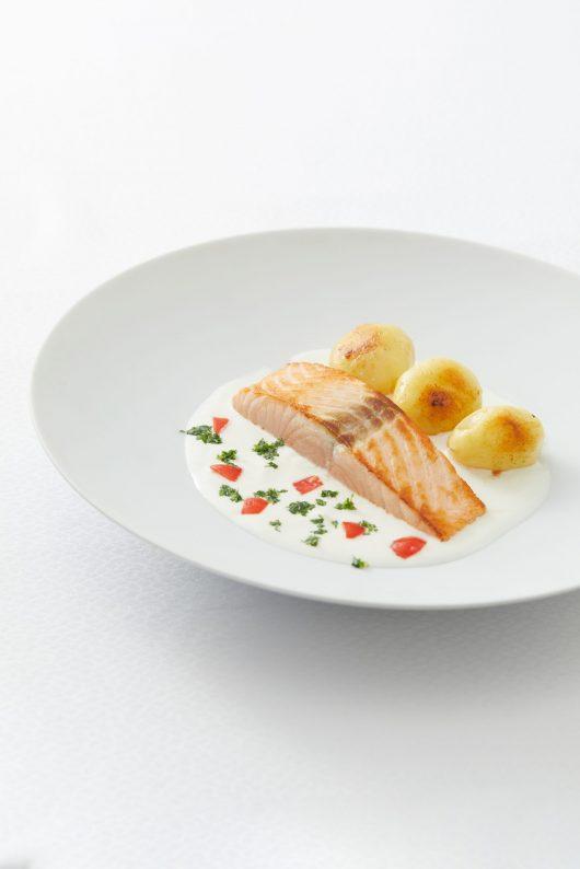 Pavé de saumon au beurre blanc